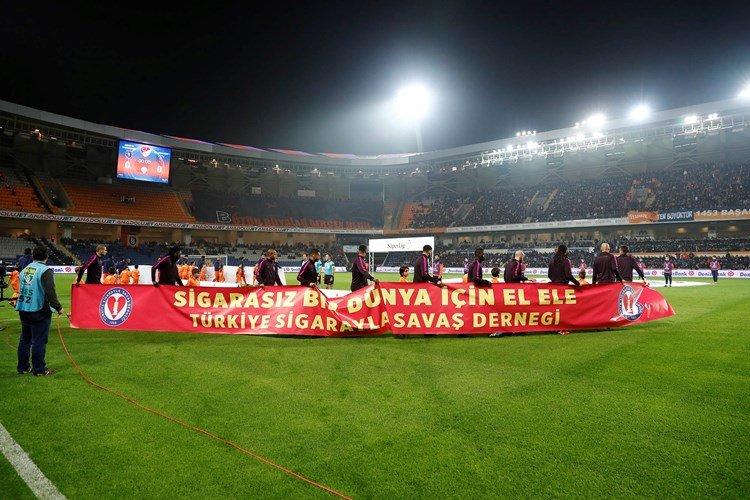 Basaksehir 5-1 Galatasaray (12. runde)